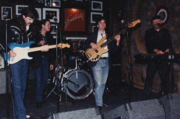 The Bluejeans at The Sweetwater